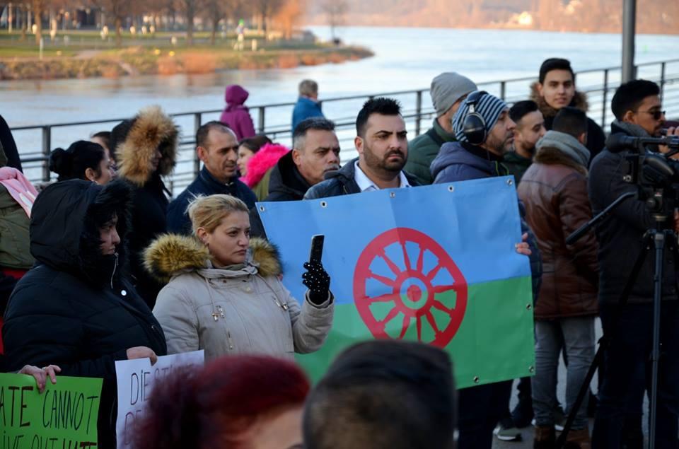 © Комитет на Ромите в Европейския Съюз (CREU)