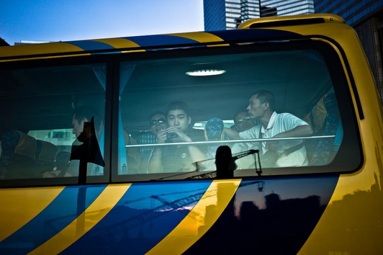 Citaten Zoon Hongkong : Hong kong smugglers mo