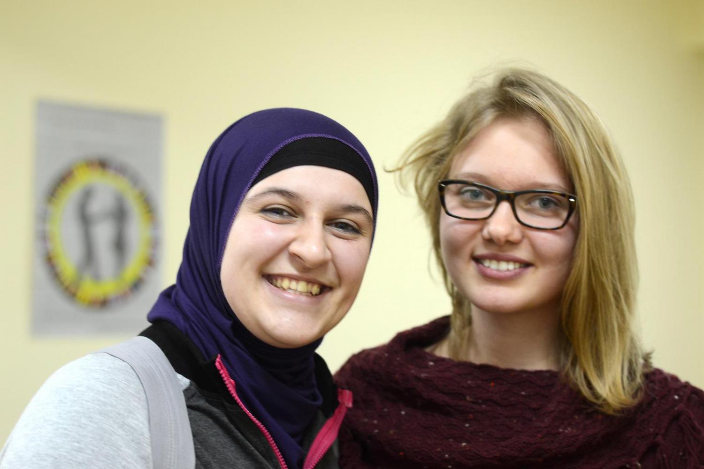 Bosnian muslim girl photos