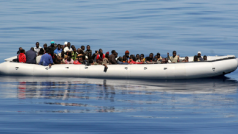 Sinds 1990 komen vluchtelingen aan op Lampedusa per boot in de hoop een verblijfsvergunning voor de Europese Unie te bemachtigen. © Noborder Network