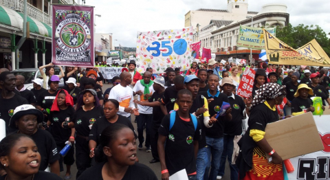 350.org (CC BY-NC-SA 2.0)