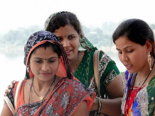 Indische Mama India Amazonas mit prallen Dingern gefickt