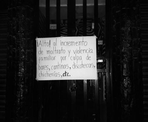 © Los vecinos