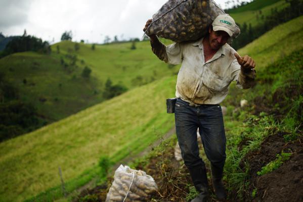 De mijnbouwwet van 2001 hield alvast geen rekening met de boeren en hun land