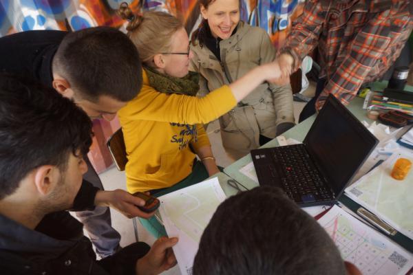 """digitale kaart maken Vluchtelingen maken digitale kaart van """"hun"""" Duinkerke   MO*"""