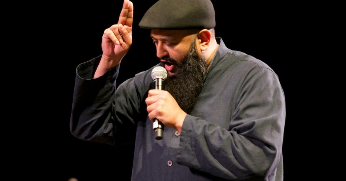 Komedian Muslim Amerika dan Usahanya Meredam Islamofobia